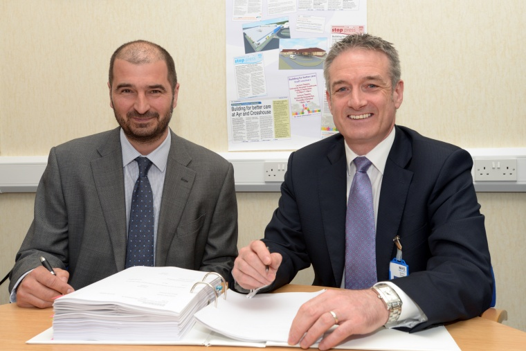 John Burns (right), Chief Executive NHS Ayrshire & Arran, and Doug Keillor, Regional Director of BAM Construction.